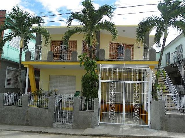 Tres Palmitas, Rooms for Rent