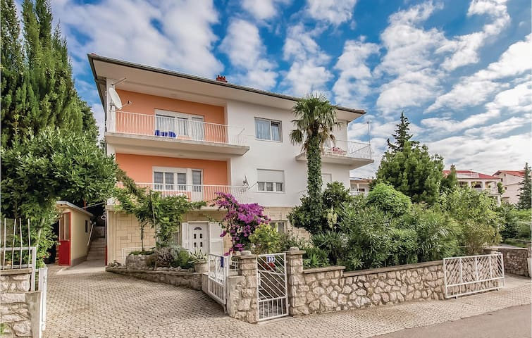 Holiday apartment with 2 bedrooms on 52m² in Crikvenica