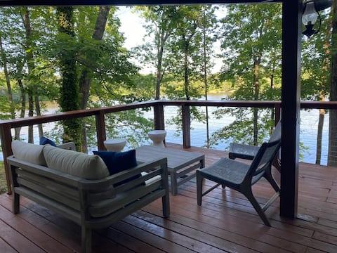 Waterfront Lakehouse w/ private dock & beach