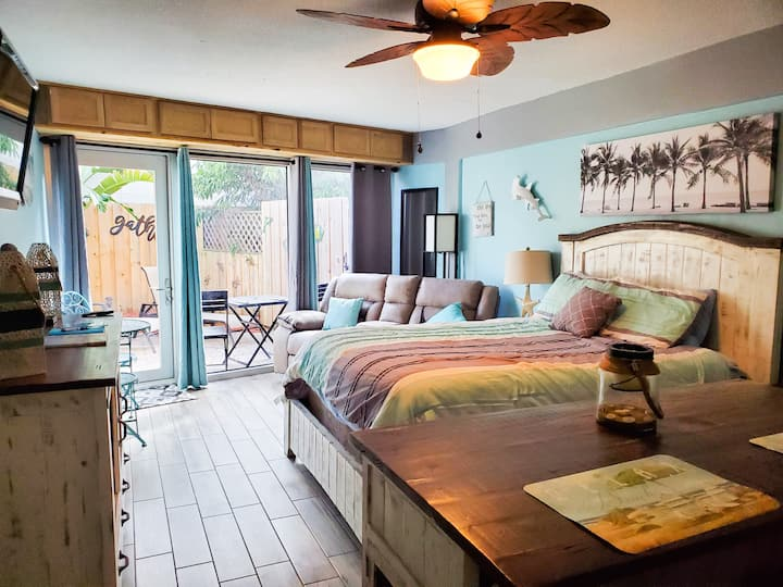 Couples Hideaway ~ Studio with private patio