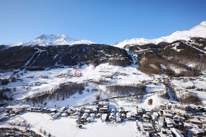 "private room with amazing view - ""Ski IN Ski OUT"" - Sölden - 단독주택"