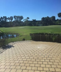 Suite on The Golf Course: Woodlands Country Club - Tamarac