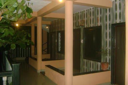 Cactus Guesthouse - Arambol