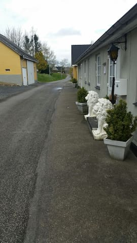 Charmerende rom I idylliske omgivelser - Gjerlev - Apartment