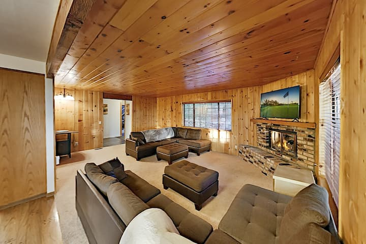 Secluded Retreat with Game Room, Near Skiing, Lake