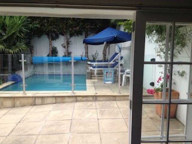 Chelsea Bay studio villa - Auckland - Casa