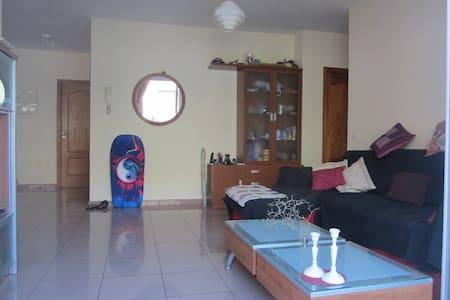 Schönes Zimmer - Valle Gran Rey - Apartament