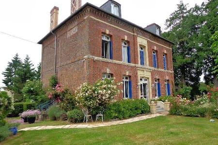 Maison de charme à la campagne - Fauguernon - Casa