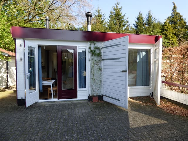 Fraai tuinhuis dichtbij natuur en Utrecht en A'dam