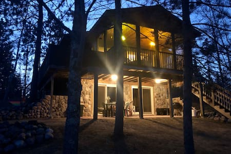 The Hideaway - Private, secluded Wasson Lake cabin