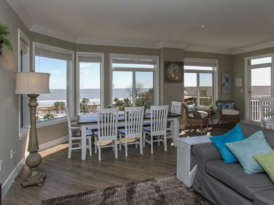 Dining Area with Direct Ocean Views at 1406 Sea Crest