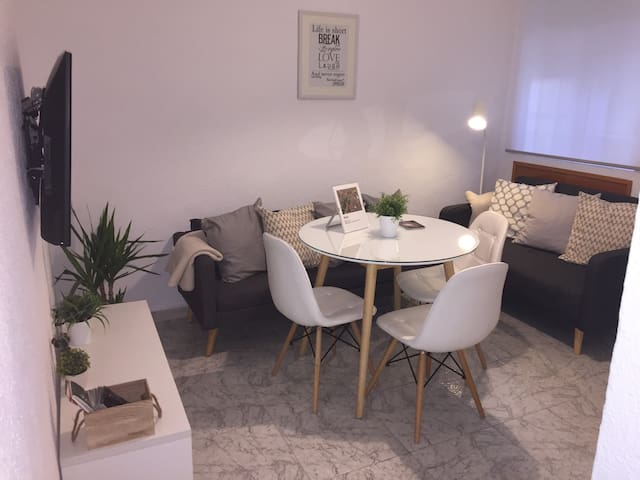 Air conditioner, Wifi, near the Mezquita Catedral - Córdoba - Apartment
