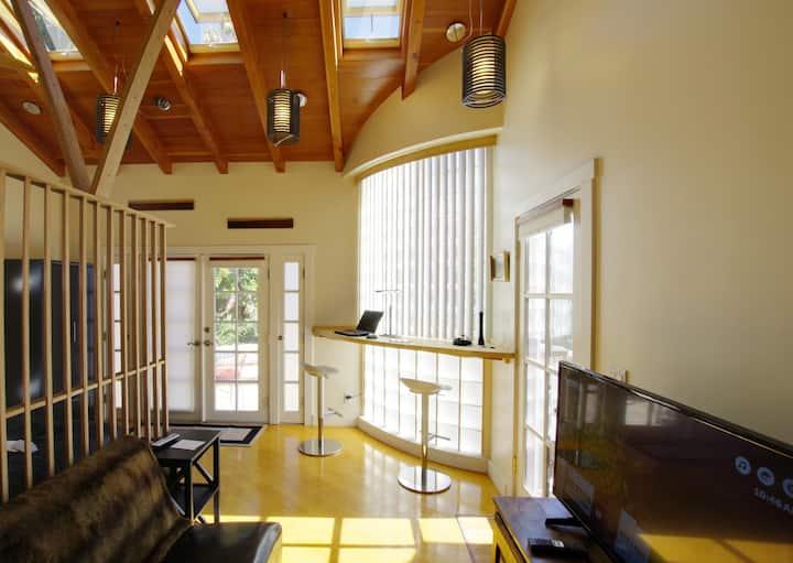Stunning guesthouse in zen garden midtown San Jose