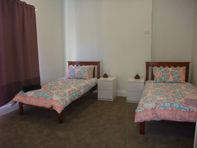 Hotel Style  Room (No1 ) in Bentleigh, Centre Road
