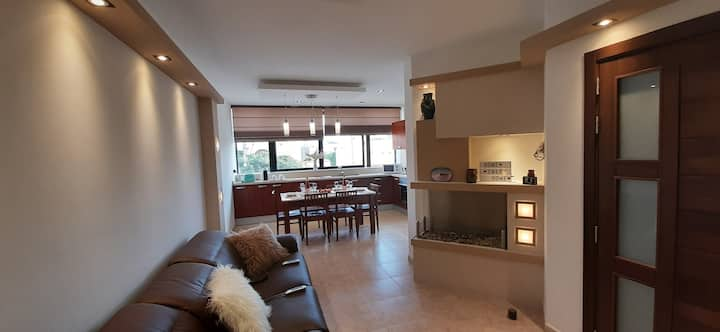 Luxury Apartment - 5 minutes walk from the beach
