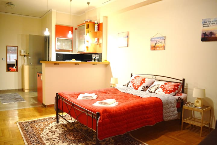 Cozy studio near Acropolis - Athina - Appartement