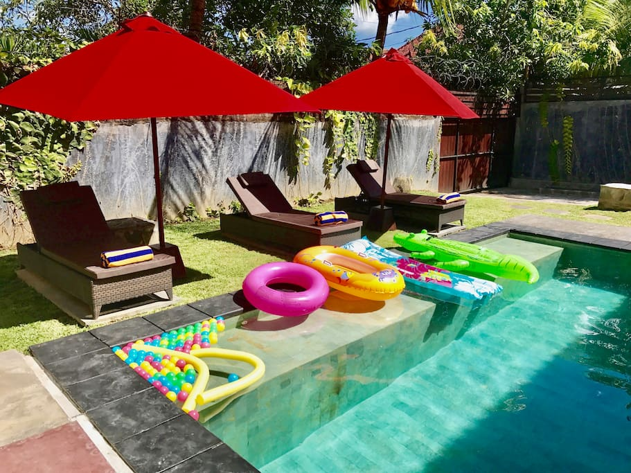 Swimming pool with inflatables