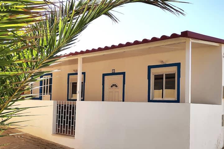 Lovely Beach House in Faro