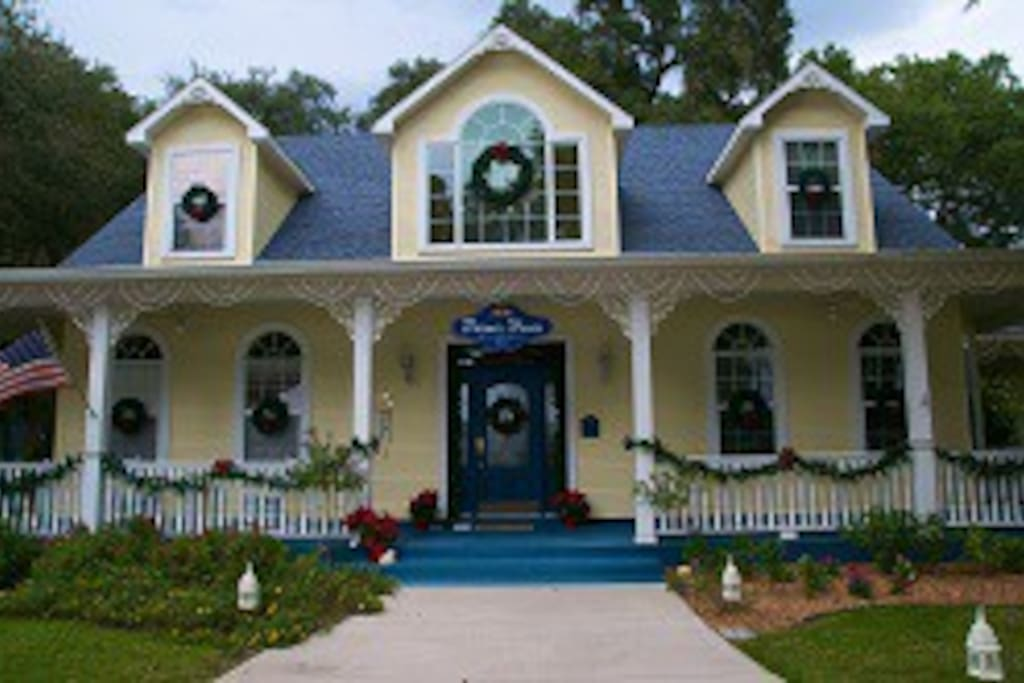 Palmer House Bed And Breakfast Lithia Fl