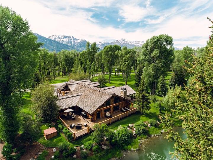 Abode at Lakota   Lux Wilderness Ranch Home + Honeymoon Cabin near Snake River  