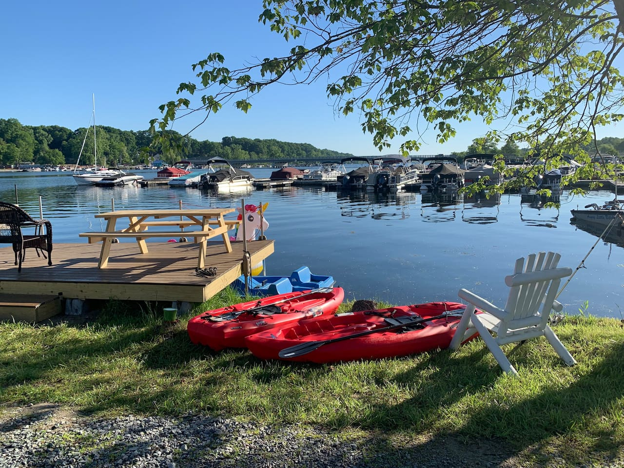 Waterfront Cabin on Saratoga lake( newly remodeled