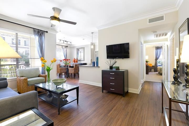 Your home away from home | 1BR in Austin