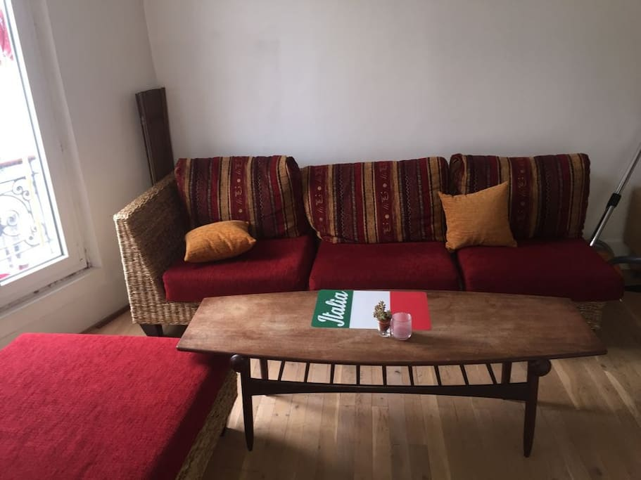 Grand salon avec télé et WIFI