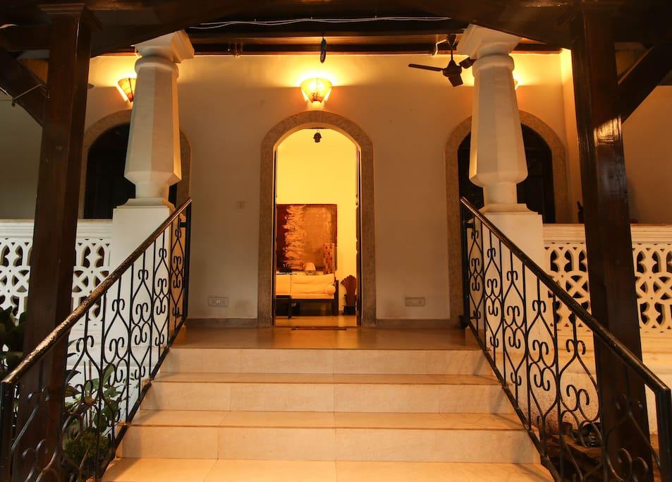 Entrance to Leonarra