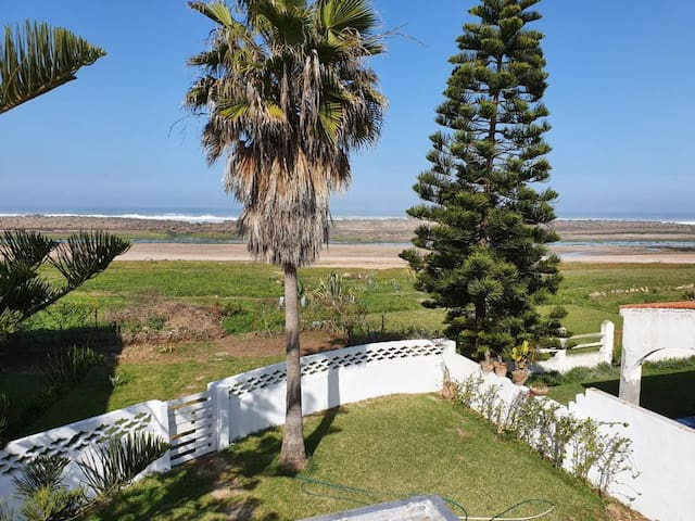 villa pied dans l'eau skhirat plage