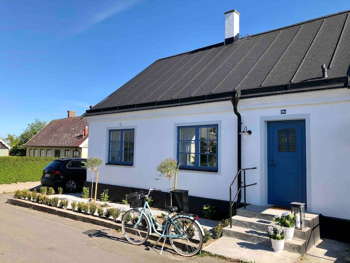 Beautiful cottage in the heart of Brantevik