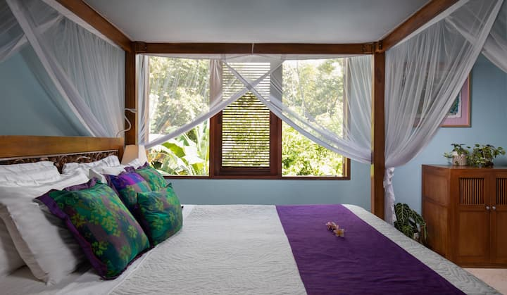 Quiet Luxury near the Heart of Ubud - Capung Suite