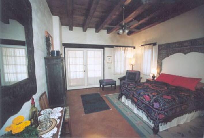 crickethead Inn, a desert b&b - Tucson - Bed & Breakfast