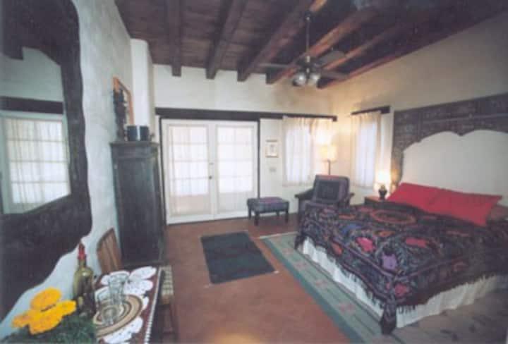 crickethead Inn, a desert b&b