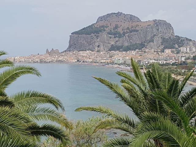 Appartamento panoramico a Mt 150 dal mare - Cefalù - Vakantiewoning