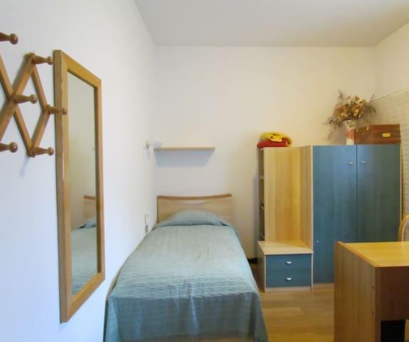 Camera singola / single bedroom