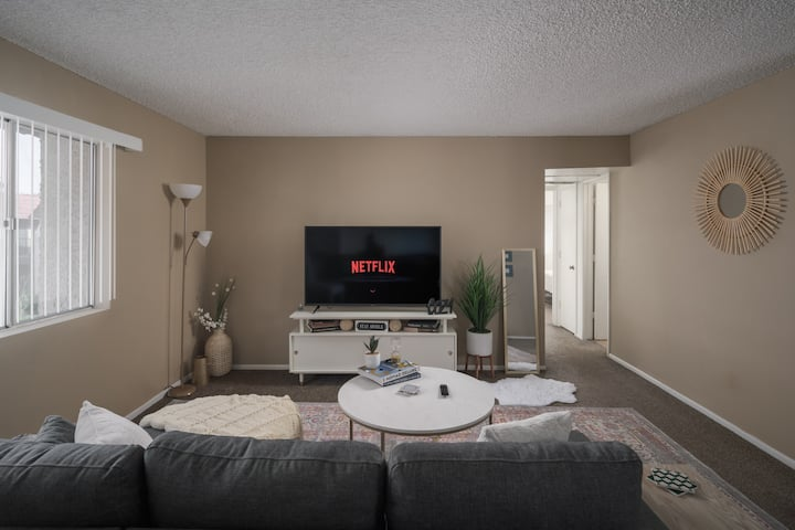 Cozy Condo | 1 Mile to ASU | Downtown | + FUN POOL
