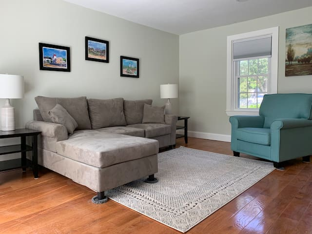 Relaxing Retreat in Historic Centerville Village