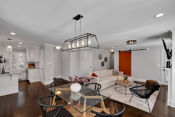 Gorgeous renovated home Near Uptown/Southend