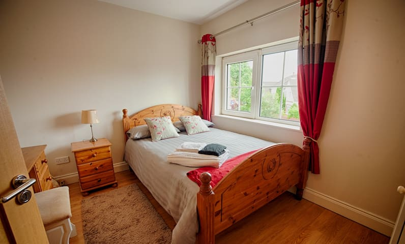 Memory foam mattress & pillows Bedroom has black out blinds plus curtains. Wardrobe, dressing table, seat, bedside locker, bedside light.