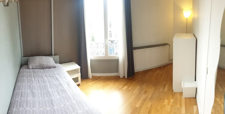 Chambre équipée située à 10min de Paris