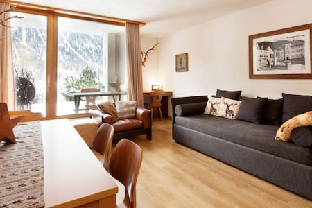 Appartamento a Zuoz (St. Moritz) - Zuoz - Lägenhet