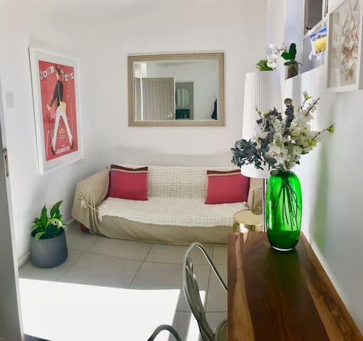Modern Cottage/Flatlet in Morningside