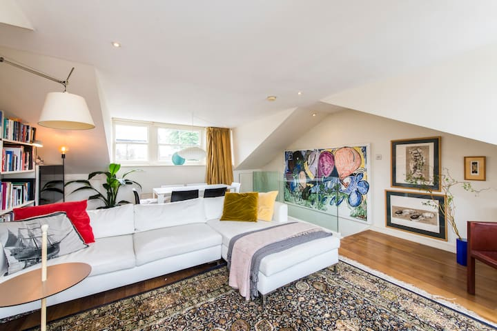 Unique 2bed flat in iconic Portobello Rd w terrace