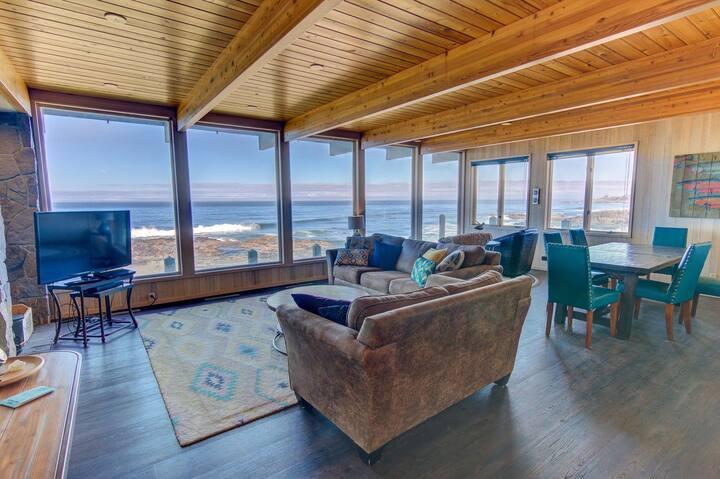 Amazing Panoramic Ocean Views in Yachats, 2 Fireplaces!