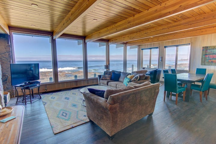 Amazing Panoramic Ocean Views in Yachats, 2 Fireplaces! Booking Now for 2020!
