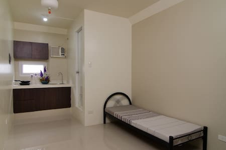 Studio Apartment, Bed Space and Room Rental - Manila - Appartement
