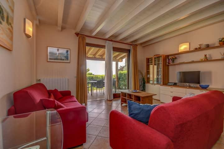 2 bedroom with garden, pool 0104