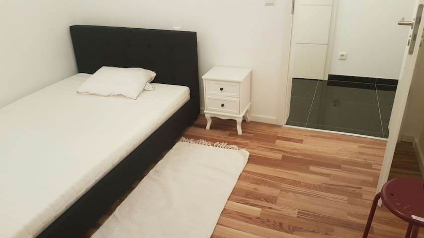 Individual room in a new flat - Luxemburg - Appartement