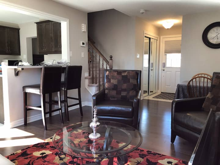 3 bedroom west end town home close to CTC