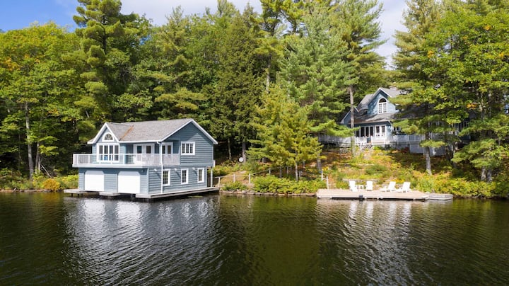 Wildflower Cottage A Fantastic boat access family cottage with a spectacular 500' of waterfront!